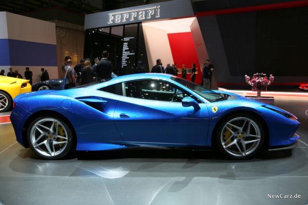 Ferrari F8 Tributo Seitenansicht blau