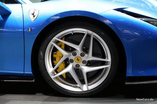 Ferrari F8 Tributo Vorderrad