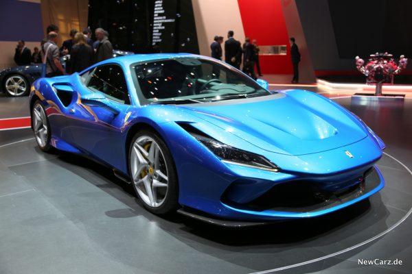 Ferrari F8 Tributo schräg vorn rechts
