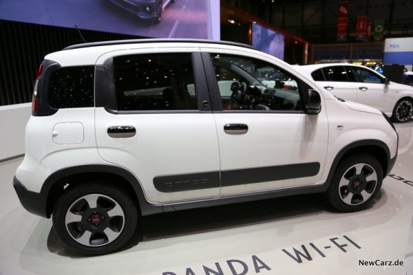 Fiat Panda Connected by Wind Seitenansicht
