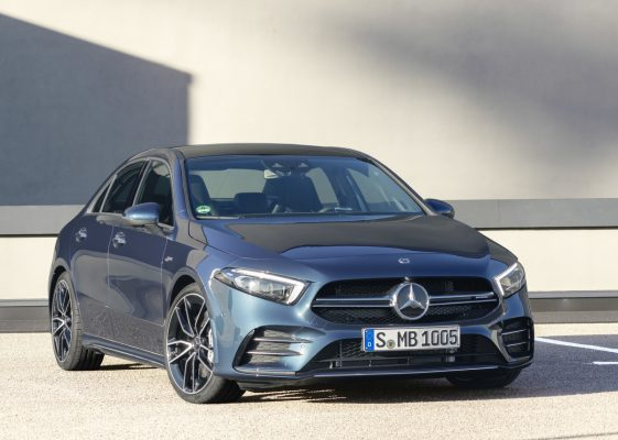 Frontansicht des Mercedes-AMG A 35 4Matic