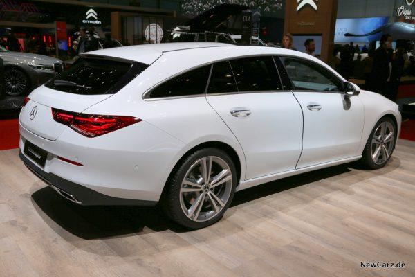 Mercedes-Benz CLA Shooting Brake schräg hinten rechts