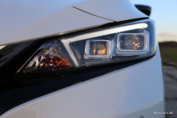 Nissan Leaf ZE1 Scheinwerfer