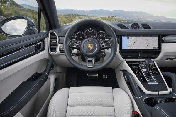 Porsche Cayenne Coupé Fahrerplatz