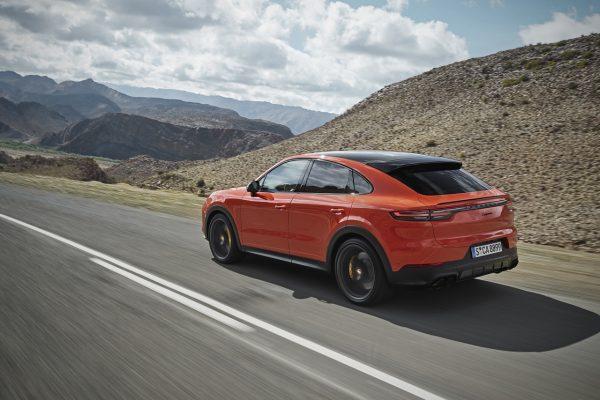 Porsche Cayenne Coupé schräg hinten