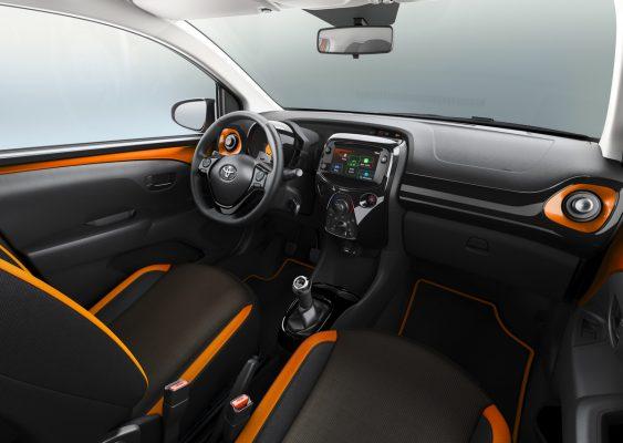 Interieur des Toyota Aygo X-Cite