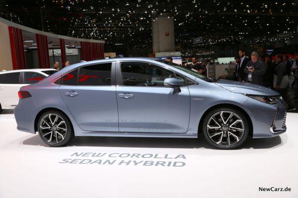 Toyota Corolla Sedan Seite
