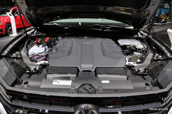 VW Touareg V8 TDI Motorraum