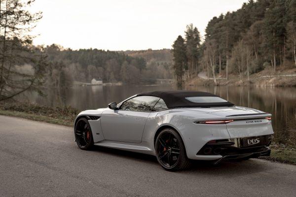 Aston Martin DBS Superleggera Volante geschlossen