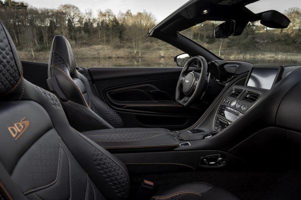 Aston Martin DBS Superleggera Volante Innenraum