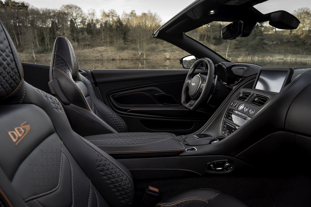 Aston Martin Dbs Superleggera Volante Sportlich Offen Newcarz De