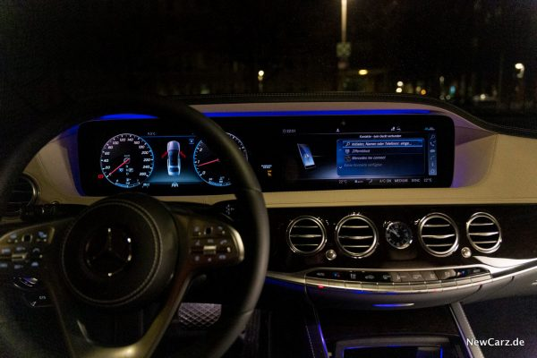 Mercedes-Benz S 560 L 4Matic Displays