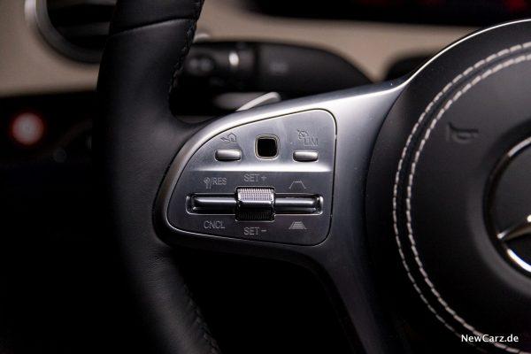 Mercedes-Benz S 560 L 4Matic Lenkradtasten