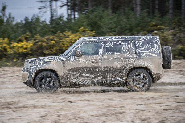 Land Rover Defender 2019 Seite