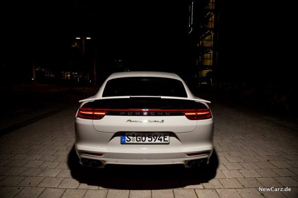 Porsche Panamera Turbo S E-Hybrid Heckflügel