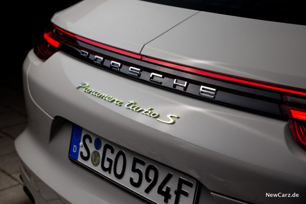 Porsche Panamera Turbo S E-Hybrid Modellschriftzug