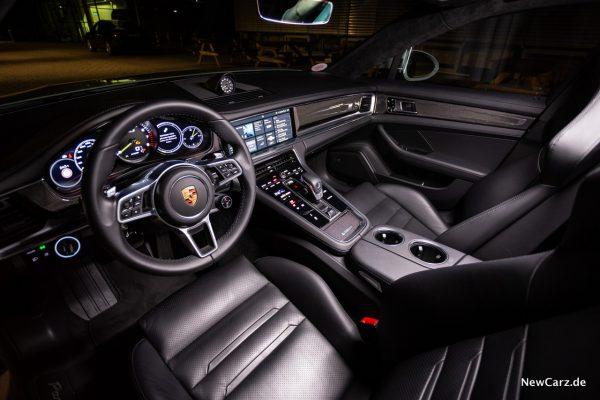 Porsche Panamera Turbo S E-Hybrid Interieur vorne