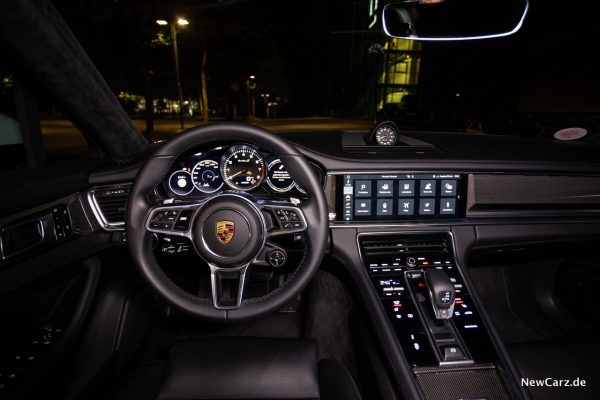 Porsche Panamera Turbo S E-Hybrid Cockpit