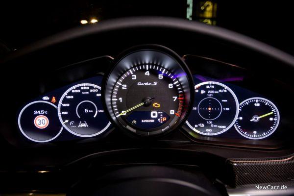 Porsche Panamera Turbo S E-Hybrid Kombiinstrument