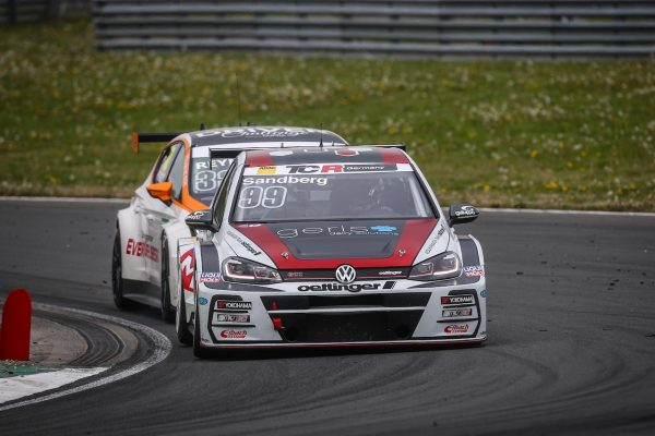 VW Golf TCR by Oettinger Front