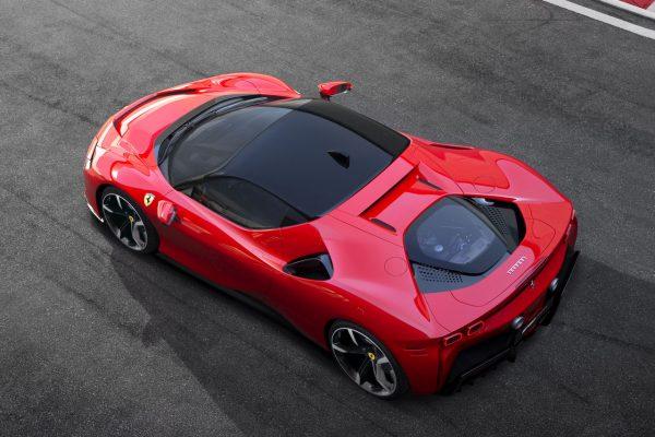 Ferrari SF90 Stradale von oben
