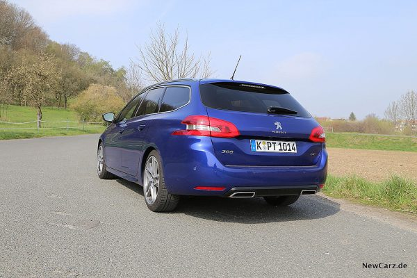 Peugeot 308 SW schräg hinten links