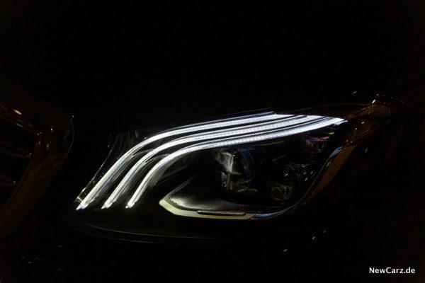 Mercedes-Benz Multibeam LED-Scheinwerfer Lichtfackeln