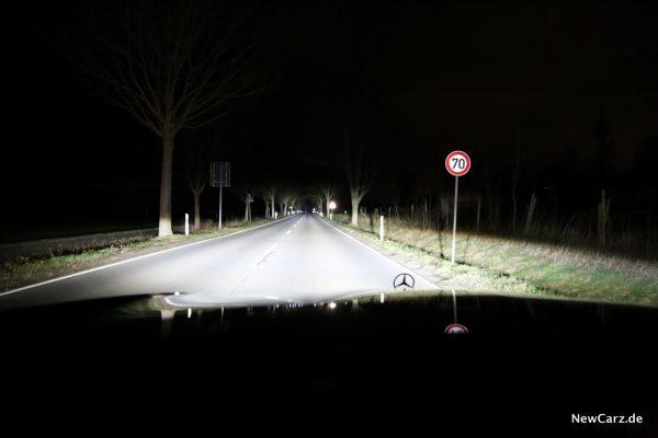Mercedes-Benz Multibeam LED-Scheinwerfer Fernlicht