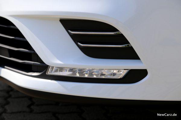 Renault Clio Black&White LED Tagfahrlicht
