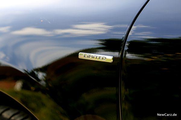 Renault Clio Black&White Limited Plakette