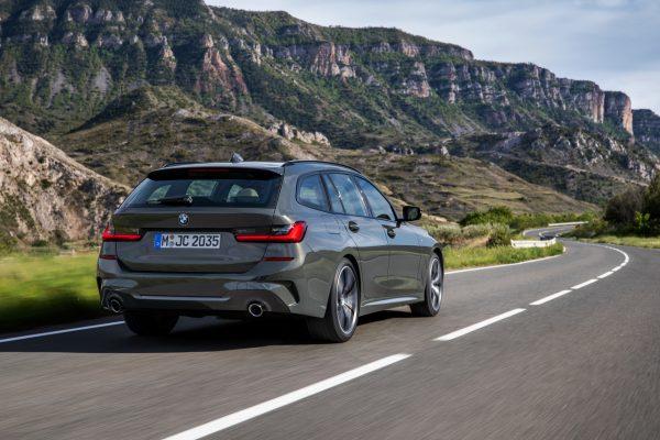 BMW 3er Touring 2020 schräg hinten rechts