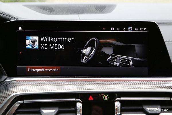 BMW X5 M50d Zentralbildschirm.