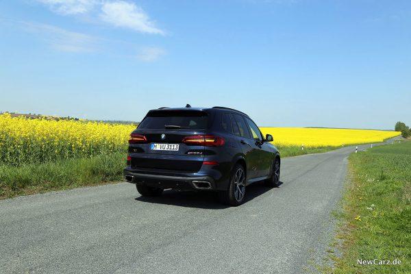 BMW X5 M50d schräg hinten rechts