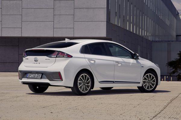 Hyundai Ioniq Elektro 2020 seitlich rechts