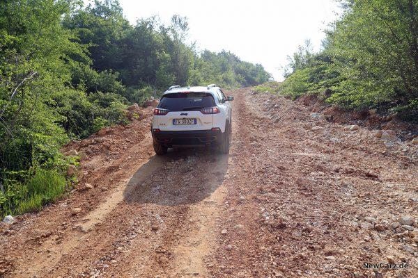 Jeep Cherokee Trailhawk Steigung Offroad