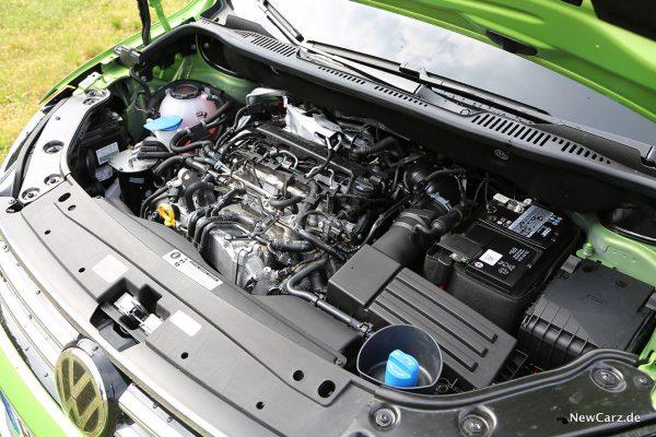 VW Caddy Alltrack Motorraum