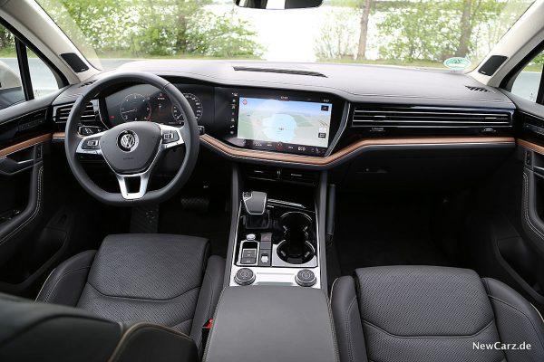 VW Touareg III Instrumententafel