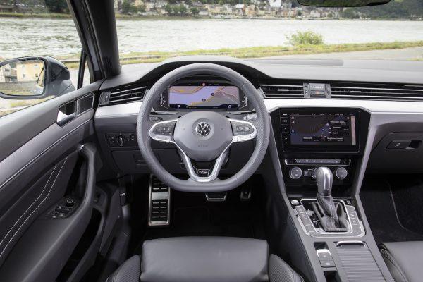 VW Passat Facelift Innenraum Lenkrad