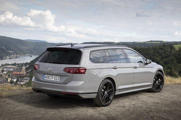 VW Passat Facelift Heckansicht seitlich