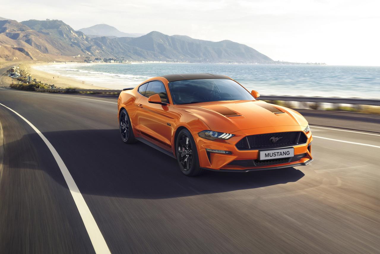 Zum Geburtstag kommt der Ford Mustang 55