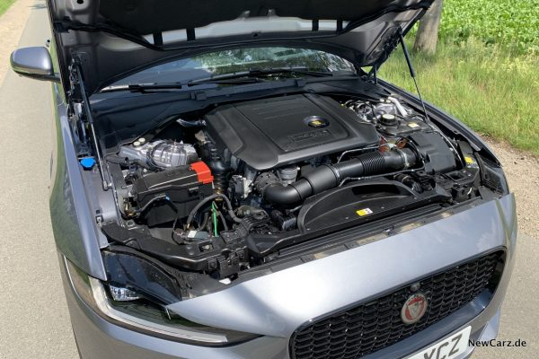 Jaguar XE Motorraum
