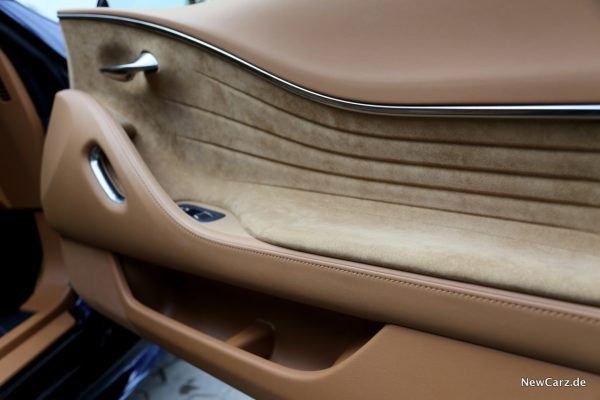 Lexus LC 500 Türverkleidung