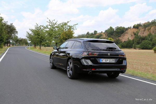 schräg hinten Peugeot 508 SW Kombi