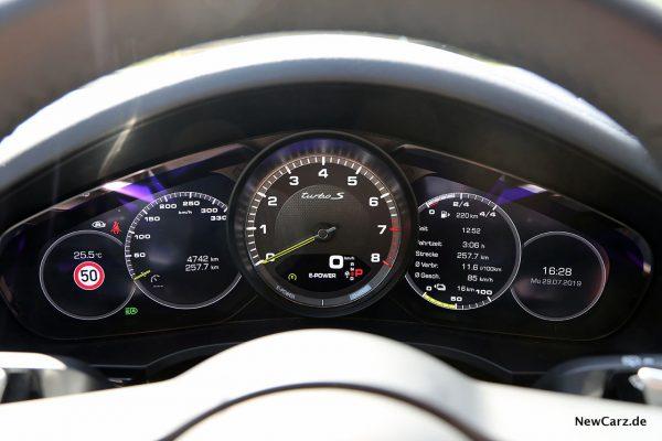 Cockpit Cayenne e-Hybrid