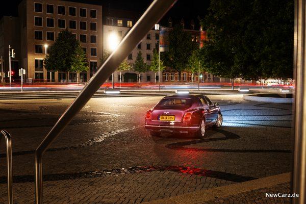 Bentley Mulsanne EWB bei Nacht