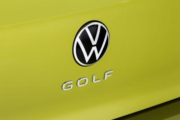 Volkswagen Golf 8 Schriftzug