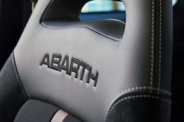 Sabelt Sitze im Abarth