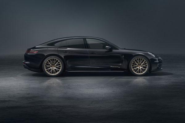 Seitenansicht Porsche Panamera 10 Jahre
