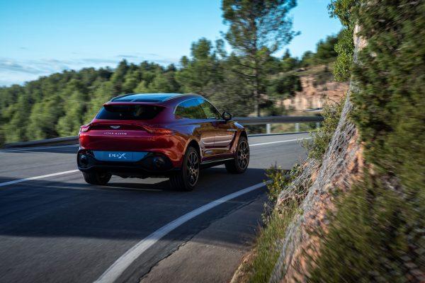 Aston Martin DBX Topspeed