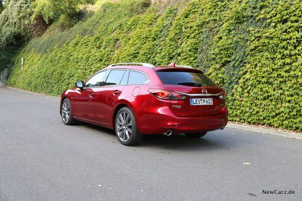 Kombiversion vom 6er Mazda 2019